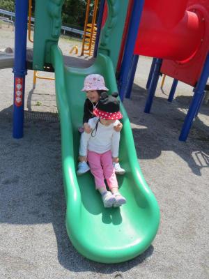 公園で遊ぶ_2